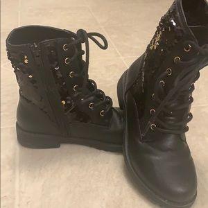 Super cute barely worn black glitter boots